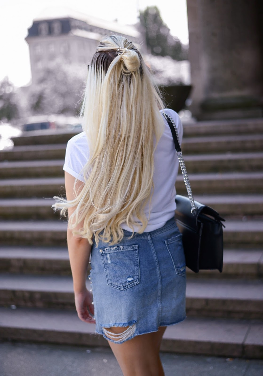 hairstyles for long hair_ripped denim skirt