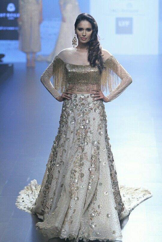 40 Trendy Sister Of Bride Outfit Ideas Indian Wedding Dresses For Bride S Sister Bling Sparkle