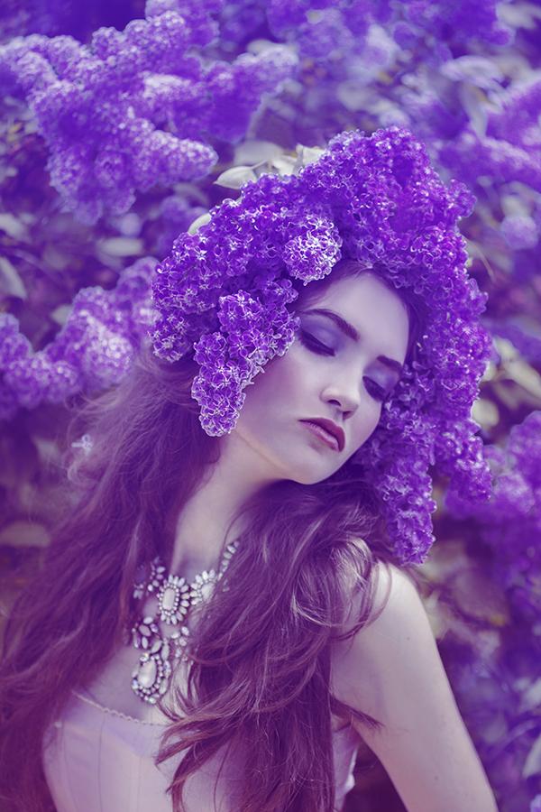 Красотку видео девушка в фиолетовом фото девушки