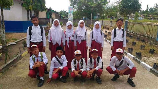 Siswa Kelas 6 MIS Nurul Huda Tandun TP 2015-2016