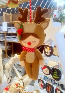 Craft fair impression: felt reindeer doll hanger