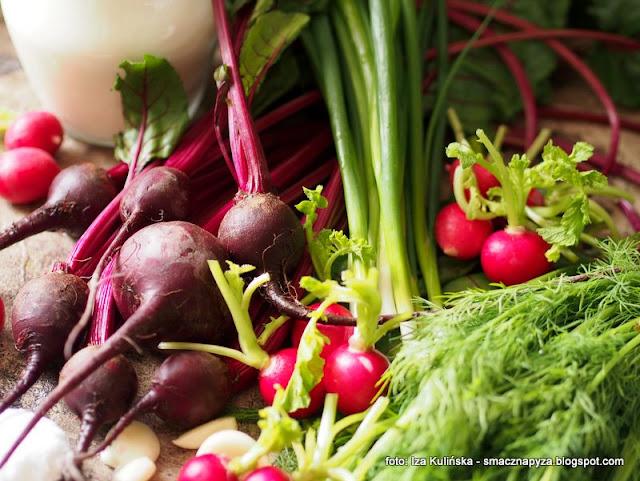 botwinka kiszona, botwina fermentowana, maslanka, fermentacja, kiszenie warzyw, kiszone warzywa, kiszonki, domowe przetwory, do spizarni, jak ukisic buraczki