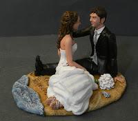 cake topper tema mare conchiglie sposi seduti bouquet statuina orme magiche