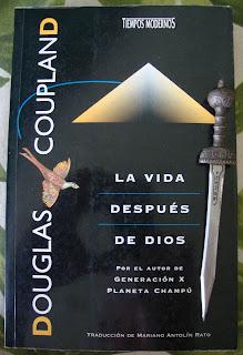 Portada del libro La vida después de Dios, de Douglas Coupland