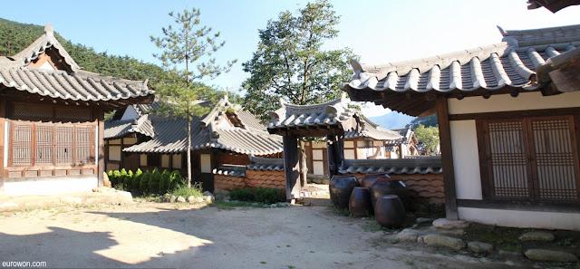 Set de rodaje de dramas históricos de la KBS en Mungyeong