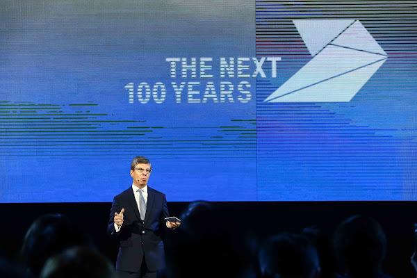 BMW大中華區總裁暨執行長康思遠(Olaf Kastner)表示,與英特爾和Mobileye的合作旨在建立新世代汽車科技的標準化。(圖片來源:蔡仁譯攝影)