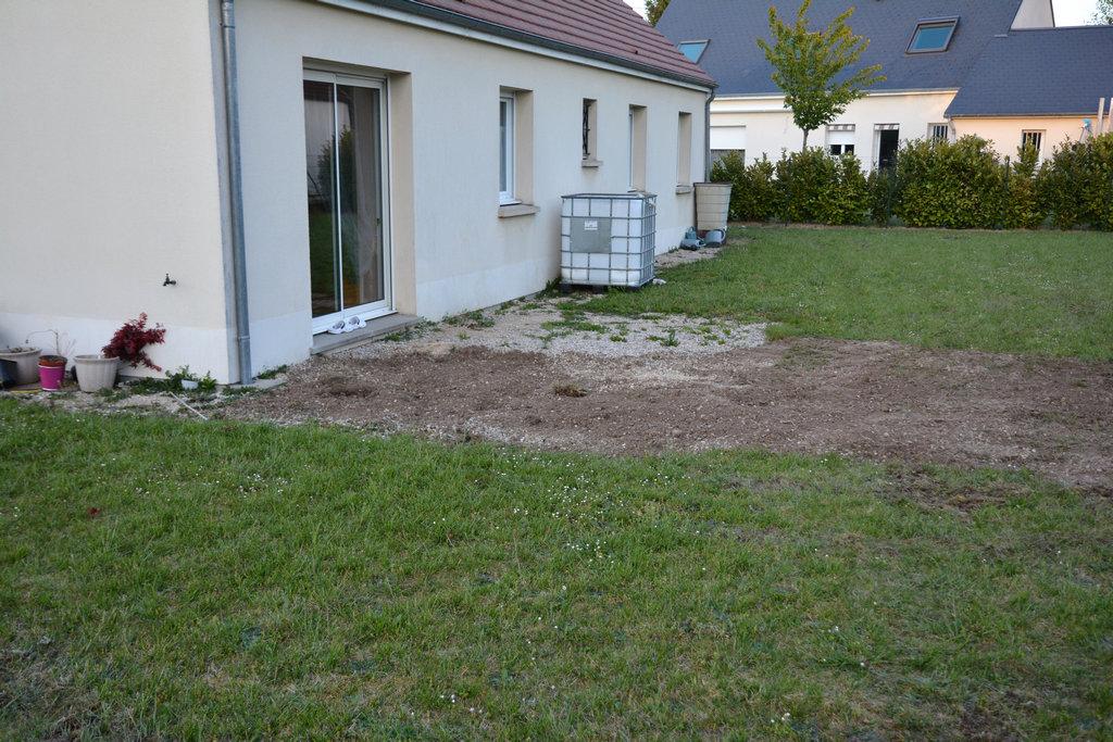 Enfin la terrasse commence jour 223 construire olivet for Terrain olivet