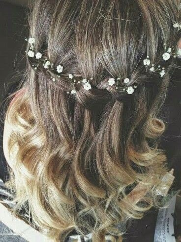 http://s-fashion-avenue.blogspot.it/2015/02/winter-floral-hairstyles.html