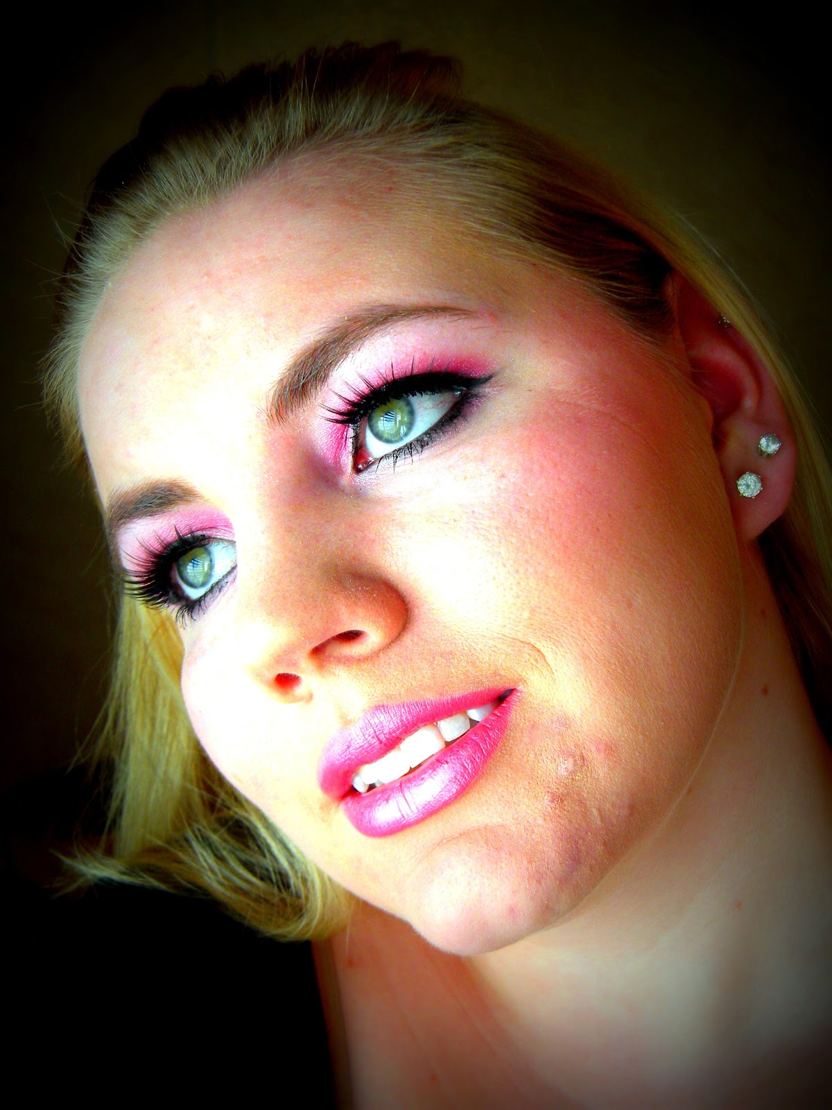 Barbie Makeup: Shabby Makeup And More: Barbie Pink Makeup Look