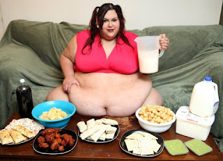 This woman is working to break record of world's fattest woman