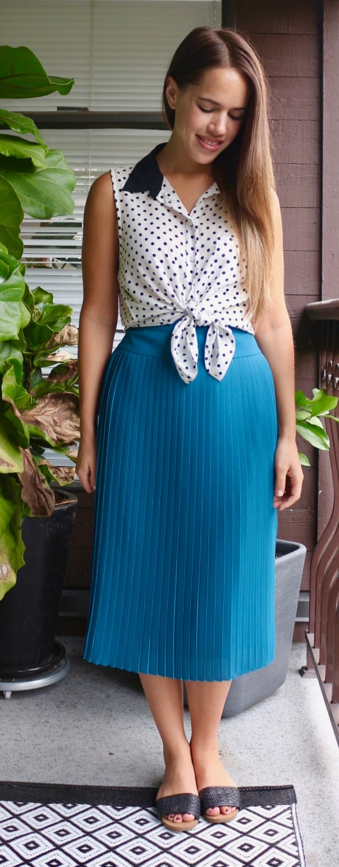 Jules in Flats - Pleated Midi Skirt