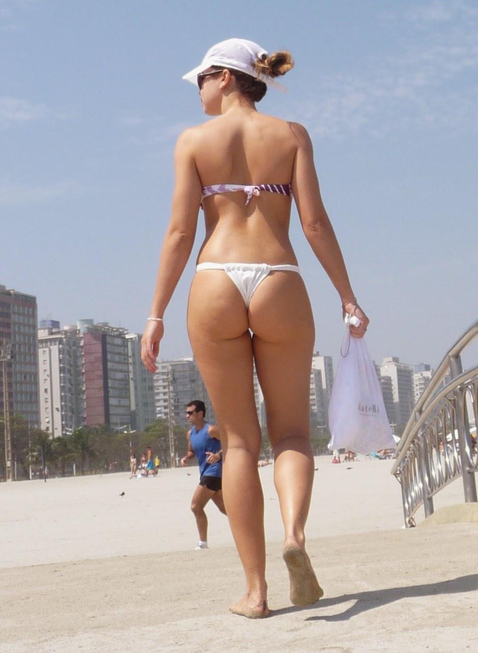 Mira la moda que imponen los diminutos bikinis de