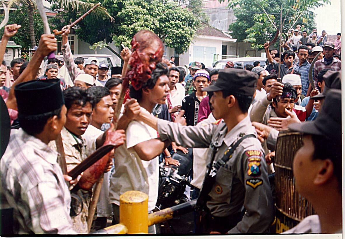 Artikel Pembunuhan Di Indonesia 9 Pembunuhan Kejam Di Malaysia Nizarazu Oleh Tunggal Sae Indrawan R Sabtu 05 Mei 2012 7