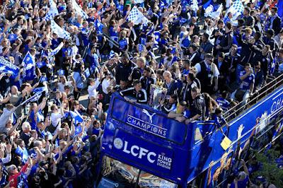 Parade Kemenangan Leicester City Disambut 100.000 Penggemar