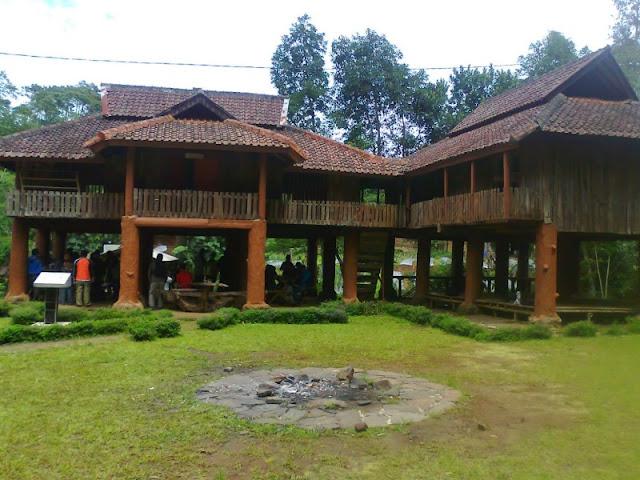 Tempat Wisata Keluarga di Bandung Gunung Kareumbi Masigit