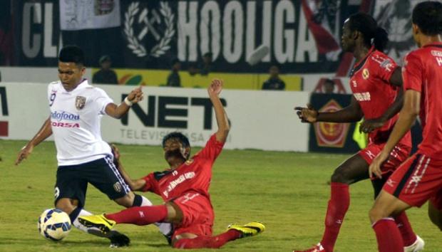 Semen Padang vs Bali United