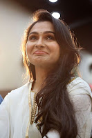 Andrea Jeremiah Latest Glam Photo Stills TollywoodBlog