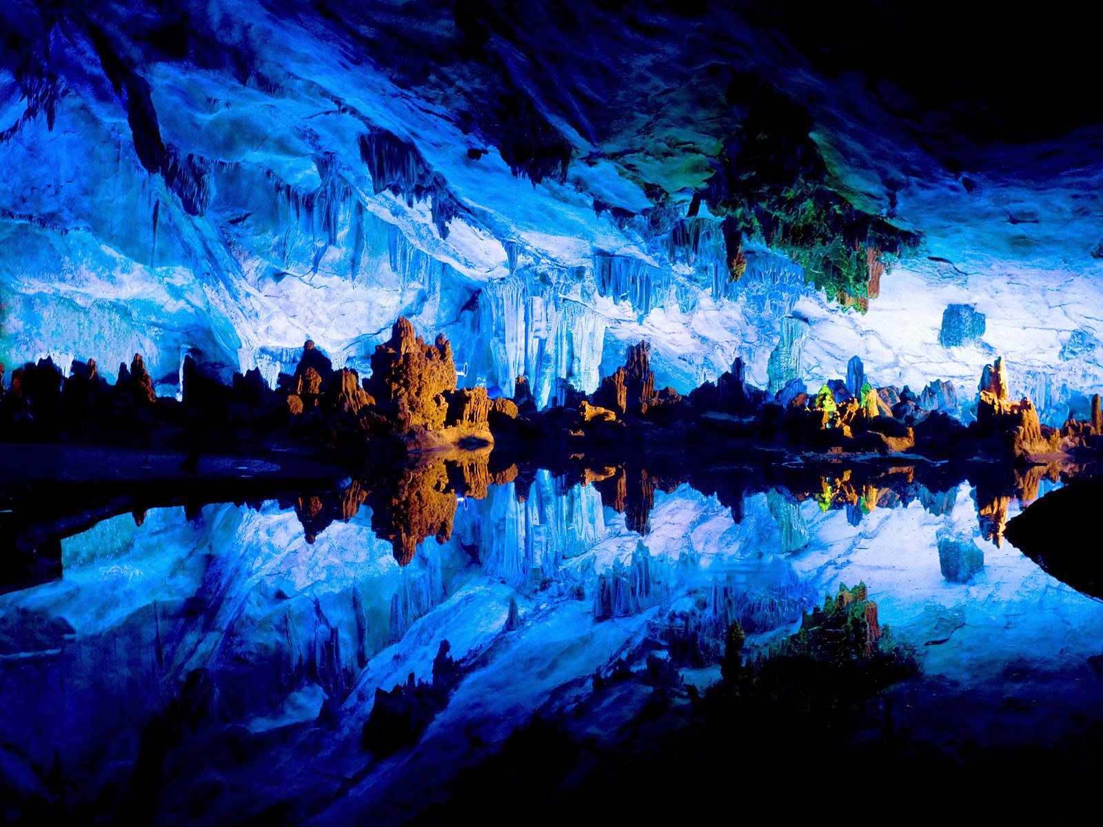 Amazing Caves in the World - Reed Flute Cave in China