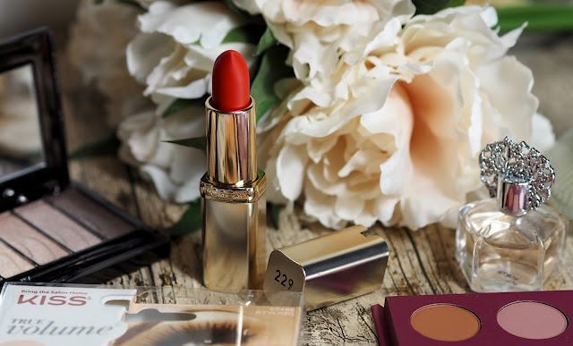 loreal colour riche red lipstick