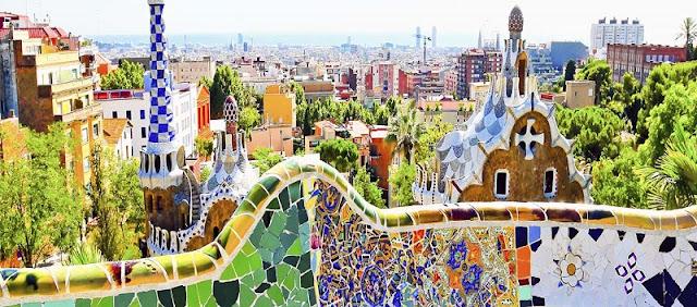 10 Passeios a pé e de bicicleta por Barcelona