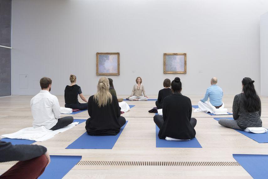 Δημοτική Πινακοθήκη Λάρισας - Yoga στο Μουσείο!