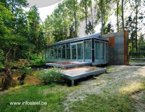 Casa de campo contemporánea de metal ligero en Bélgica