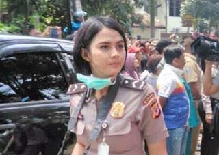 Foto Polisi Cantik Bripda Ismi Aisyah Jadi Viral