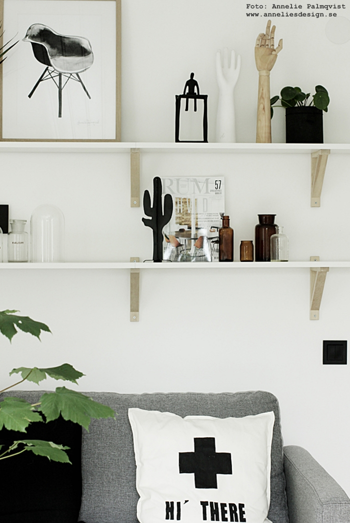 kaktus, kaktusar, inredning, design, annelie palmqvist, designade produkter, inredningsdetaljer, detaljer, dekoration, prydnad, prydnadskaktus, webbutik, webbutiker, webshop, nettbutikk, nettbutikker, nätbutik, nätbutiker, vardagsrum, vardagsrummet, poster, psoters, konsttryck, tavla, tavlor, stol, stolar, hylla, hyllor, soffa, svart och vitt, svartvit, svartvita,