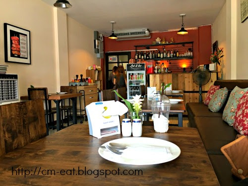 Let It Be Cafe & Eatery, Mae Rim Plaza