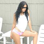 Andrea Rincon, Selena Spice Galeria 20: Tomando El Sol. Cachetero Rosa, Tanga Transparente y Top Blanco Foto 3