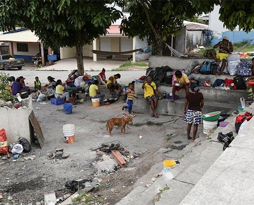 ¡SOBREVIVIR ES LA META! Migrantes venezolanos en Pacaraima: En Venezuela no hay comida, en Brasil sí