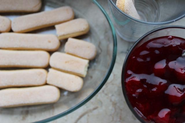 süße lasagne rote grütze