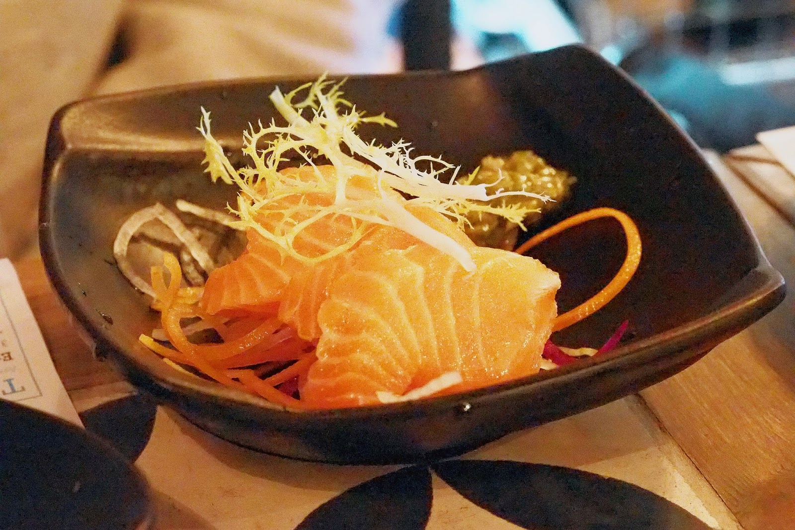 slices of salmon sashimi