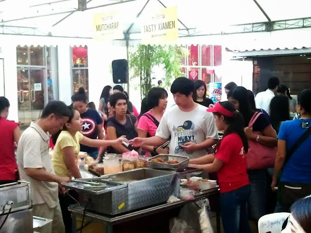 Weekend Asia Street Food Market at Lucky Chinatown Mall