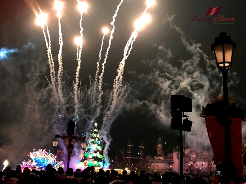 tokyo disneysea colours of christmas nighttime wishes fireworks