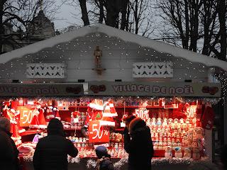 דוכני קישוטים לחג המולד