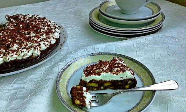 шоколадний торт з вершковим кремом