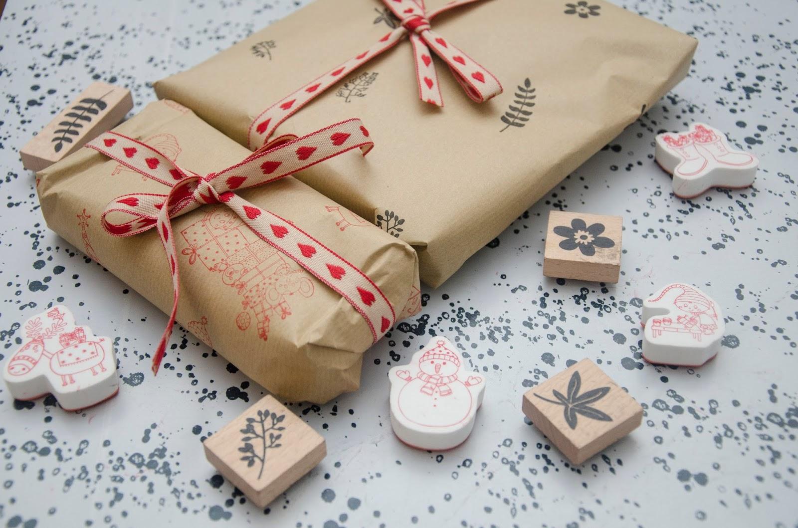 Diy du papier cadeau personnalis no l - Papier cadeau personnalise ...