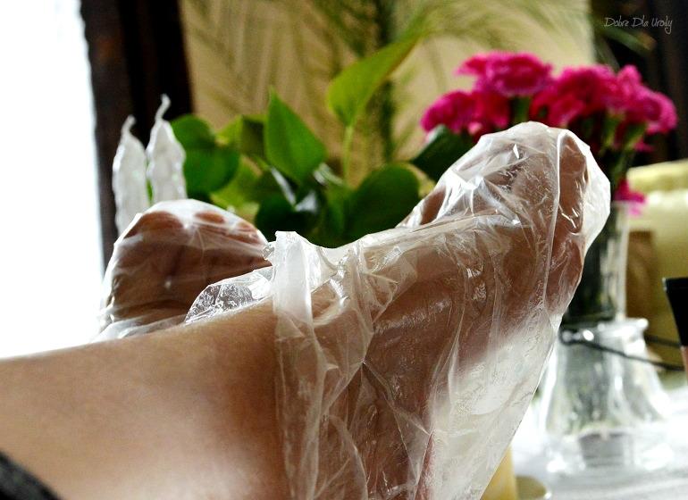 Perfekcyjne stopy w 10 minut - Profesjonalna kuracja parafinowa do stóp Laboratorium Farmona recenzja