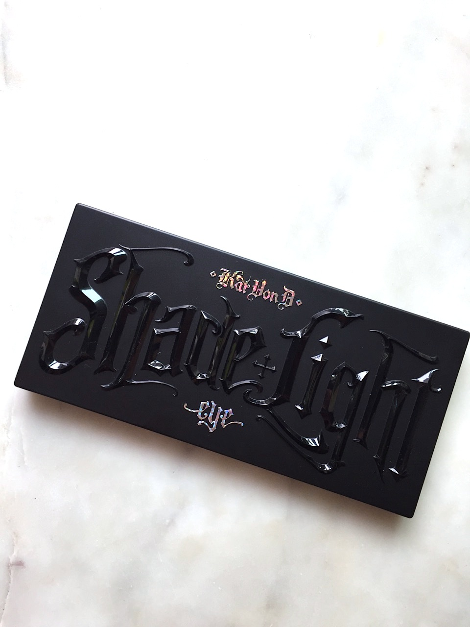 Kat Von D Shade and Light Eye Contour Palette: A quick review