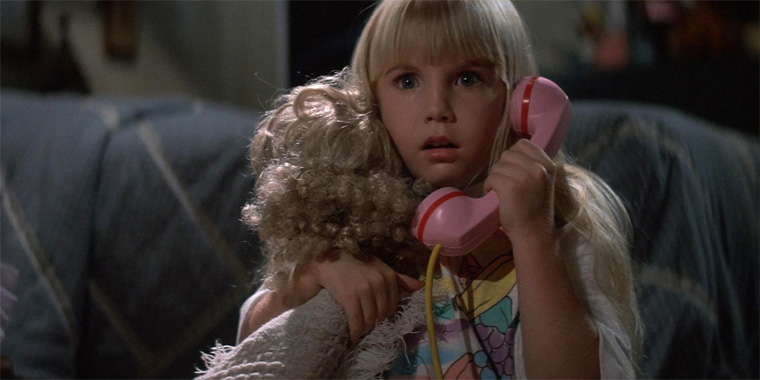 Heather O'Rourke in POLTERGEIST II: THE OTHER SIDE (Brian Gribson, 1986). Quelle: Screenshot Shout! Factory Blu-ray (skaliert)