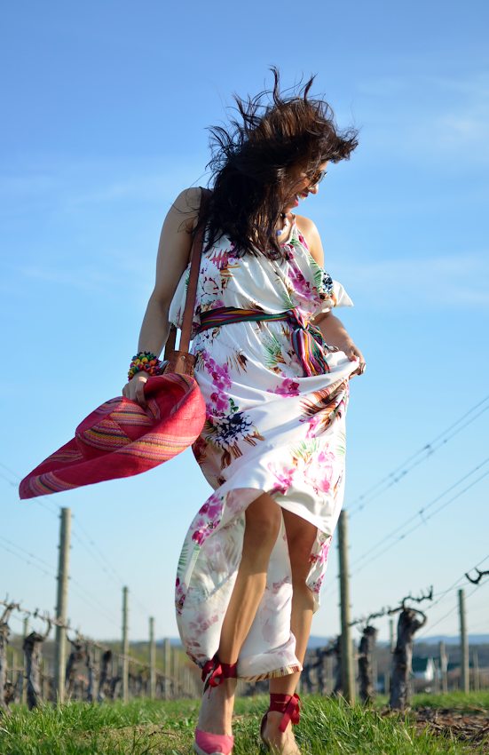 How to wear a floral maxi dress