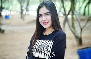 Alvi Ananta Senyum