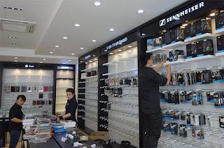 Móc treo chống trộm đa năng giúp trưng bày sản phẩm tốt hơn