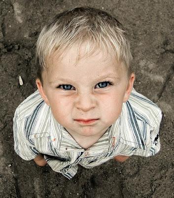 Cara Terbaik Mengatasi Anak yang Memiliki Perilaku Agresif