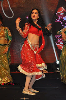 Bollywood Actress Model Sunny Leone Dance Performance in Red Half Saree at Rogue Audio Launch 13 March 2017  0006.jpg