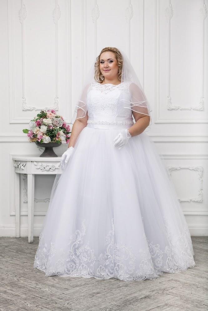 Wedding dress for fat brides wedding ideas for Best wedding dresses for short fat brides