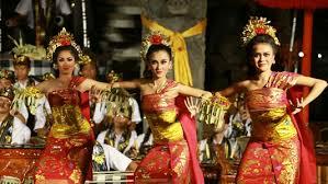 Tari Pendet Bali | Bali Dance | Bali Girl