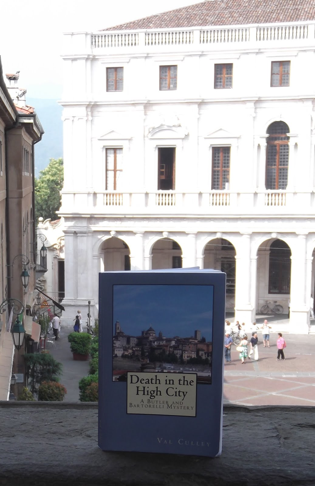 CRIME NOVEL SET IN ITALY