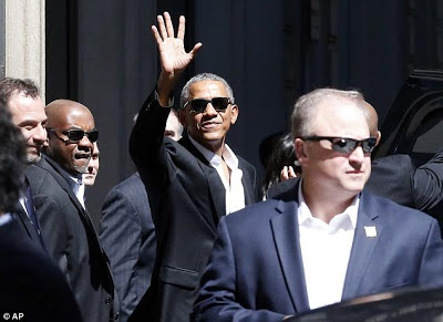 Photos: Former U.S President, Barrack Obama photographed looking stylish & relaxed in Milan